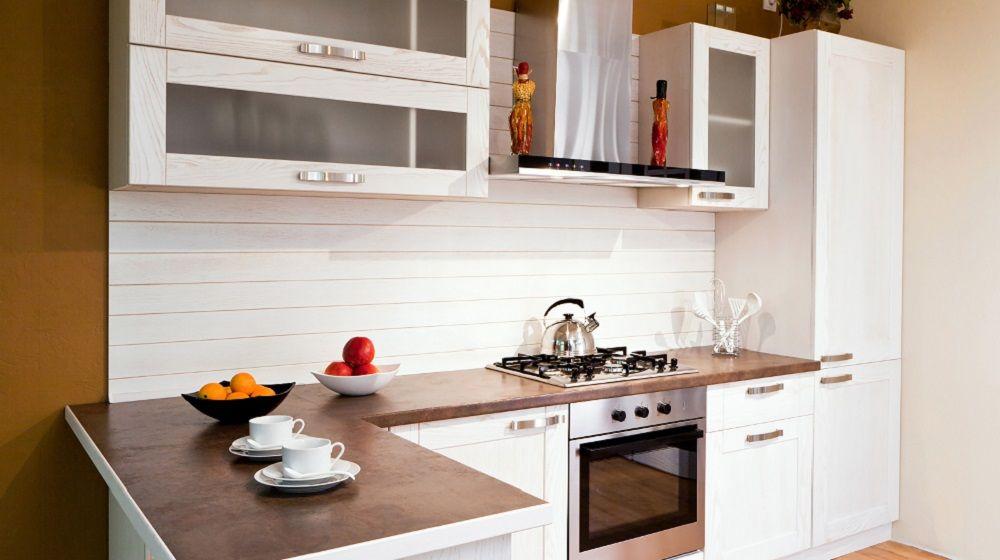 Küchenfront reinigen, Tipps für Kunststoff, Holz