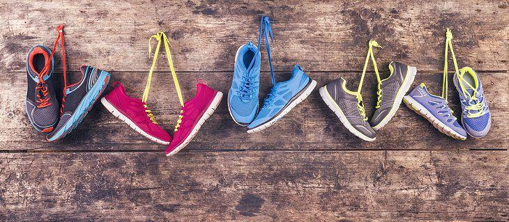 Turnschuhe richtig säubern Tipps zur Sneaker Reinigung